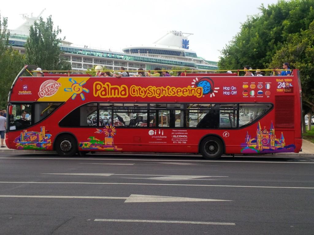 Bus turistico della Maiorca escursioni nell porto di Palma