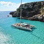 Escursione in catamarano