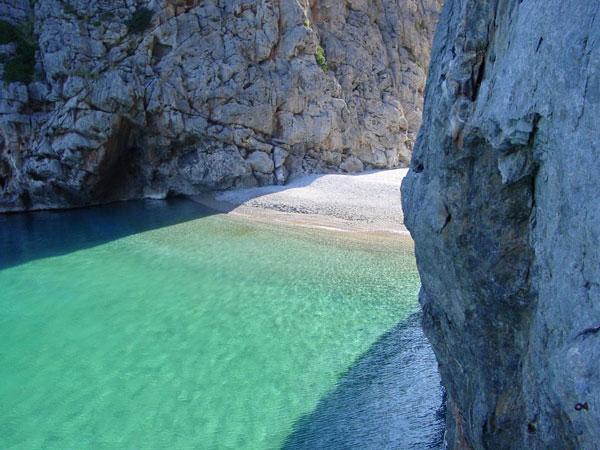 Sa-Calobra-spiaggia-di-Maiorca