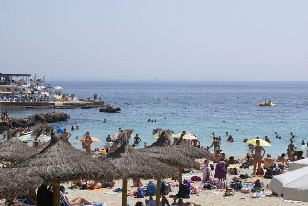 Spiaggia a palma di maiorca illetas for Palma de maiorca dove soggiornare